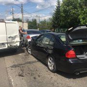 На Коновальця зіткнулися три машини, двоє дітей потрапили у лікарню (ФОТО)
