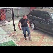 Жорстоко вбили відомого кримінального авторитета: напад з ножем потрапив на відео