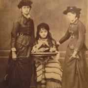 Пані хочуть вразити. Як одягались галицькі панянки 100 років тому