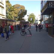 """У Франківську """"замінували"""" офіс-центр: евакуювали людей"""