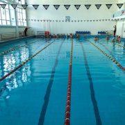 Чому небезпечно плавати в басейні