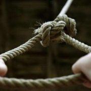 «Кажуть, грала у гру»: 14-річна школярка скоїла моторошне самогубство