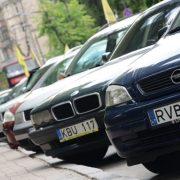 """Пільговий період розмитнення закінчився: Власників """"євроблях"""" почали штрафувати"""