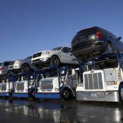У Зеленського змінять правила ввезення авто з-за кордону: на це чекали мільйони водіїв