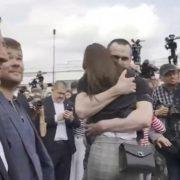 Звільнені з полону українці ступили на рідну землю(ФОТО)