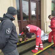 У Франківську на вокзалі знайшли чоловіка без свідомості