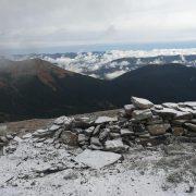 На горі Піп Іван Чорногірський знову випав сніг (ФОТО)