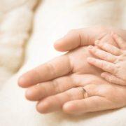 Горе-мати намагалася продати немовля за 10 тисяч гривень