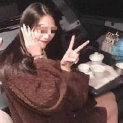 Пілота назавжди відсторонили від польотів через фото жінки в кабіні