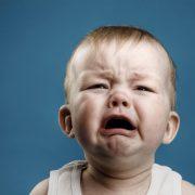 """""""Накинулись і вигнали на холод"""": вихователька ясел знущалася з малечі"""
