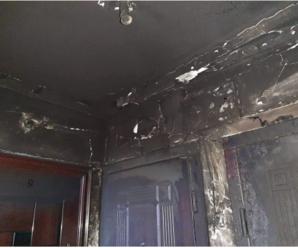 Траурний вінок та пожежі: у Бурштині мешканці багатоквартирного будинку бояться чергового підпалу (ФОТО+ВІДЕО)