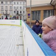 Стало відомо, скільки коштуватиме покататись на ковзанці в центрі Івано-Франківська (ФОТО)