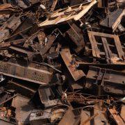 Франківець розбирав теплотрасу, аби здати на металолом