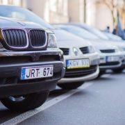 """Власникам """"євроблях"""" змінили правила розмитнення авто"""