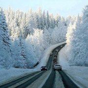 Справжня зима: Україну почало засипати снігом