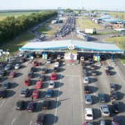 На кордоні з Польщею утворилася масштабна черга