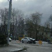 У Франківську Volkswagen збив жінку, яка вибігла на дорогу (ФОТО/ВІДЕО)