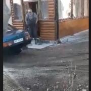 В Угриневі чоловік застрелив собаку: каже, що крав курей. ФОТО. ВІДЕО