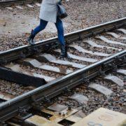 На Прикарпатті під колесами поїзда загинула молода дівчина