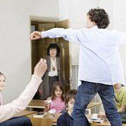 Вчителі носять нагрудні відеореєстратори для фіксації поведінки учнів