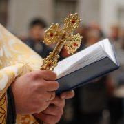 У важкому стані: до інфекційної лікарні Франківська госпіталізували священника