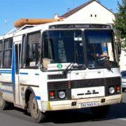 З охоплених коронавірусом Чернівців продовжують курсувати автобуси на Прикарпаття. Їх пасажирів ніхто не перевіряє