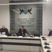 Карантин: у Франківську вирішили закрити всі кафе, ресторани і торгові центри (ФОТО)