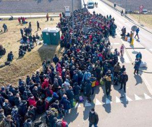 Обіцяють спалити митницю: на кордоні з Україною коїться немислиме. Кричать і плачуть