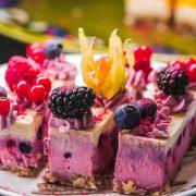 Можна їсти усе солодке і не поправлятись: дієтолог дала ефективні поради