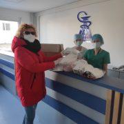 Прикарпатські енергетики шиють маски для лікарів (ФОТО)