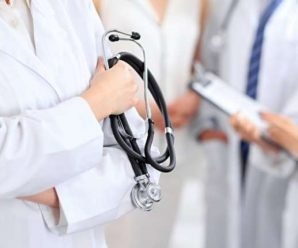 """""""Везіть туди, де прописаний"""": усі лікарні відмовились приймати важкохворого на коронавірус"""
