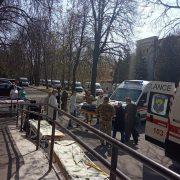До військового шпиталю Києва прибули 18 швидких з пораненими з передової, – Кулеба