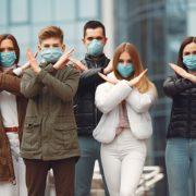 У МОЗ розповіли, коли українцям дозволять зняти маски