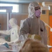 На Прикарпатті 46 медпрацівників хворіють на COVID-19