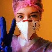 """""""Ти рятуєш життя незнайомих людей, але стаєш ходячою бомбою для рідних"""", – франківські медики про роботу під час пандемії коронавірусу"""