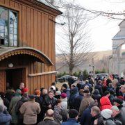 Перебування людей біля церков заборонено – начальник поліції Прикарпаття