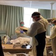 Відсвяткували річницю – і померли: коронавірус забрав життя чоловіка та дружини в один день (фото)