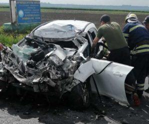 Очевидці ридали: молода сім'я розбилася в моторошній аварії, вижив тільки 3-річний хлопчик (фото)