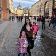 """""""Змушував йти з похорону мами, постійно забирає іграшки"""": в Україні іноземець влаштував """"війну"""" за дитину"""