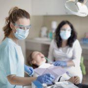 Послаблення карантину: стоматологічні клініки працюють за новими правилами