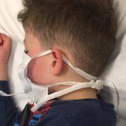 «Мама, я помру?»: У хворої на коронавірус дитини температура піднялася до 42 ° C
