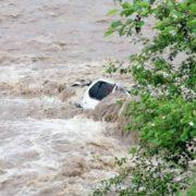 Через підтоплення на Прикарпатті загинули три людини (ФОТО)