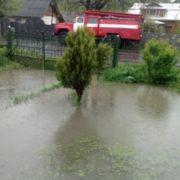 Негода на Прикарпатті: пошкоджено десятки кілометрів доріг, 7 мостів і підтоплено понад 70 будинків