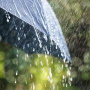 Заливатимуть дощі та буде сильний град: у ДСНС попередили про стрімке погіршення погоди в Україні