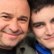 """""""Триматимуся в живих, скільки зможу"""": хворий на рак син Павліка припинив лікування"""