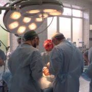 Мати-алкоголічка покалічила доньку, жахливі шрами і зламаний ніс, – врятувати личко взялися кращі хірурги