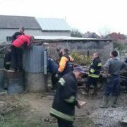 На Франківщині рятувальники дістали з колодязя труп