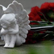 Моторошна трагедія: на Рівненщині загадково загинули 15-річна дівчина та 20-річний хлопець, перші деталі