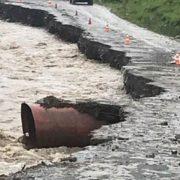 """Руйнівна стихія """"похоронила"""" дорогу на Прикарпатті: з'явилося відео"""