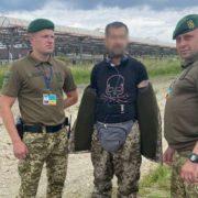 На кордоні з Польщею затримали латвійця, одягненого як український прикордонник
